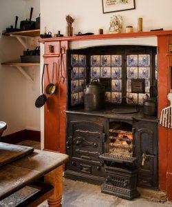 Kitchen Range lit Fire