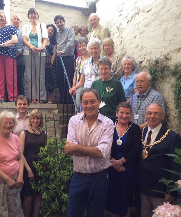 Volunteers and Mayors